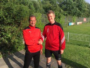 Der neue TSV-Trainer Jörg Kretzschmar und TSV-Abteilungsleiter Nils Bednarz
